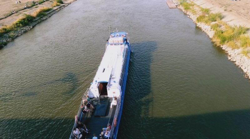 warta statek 800x445 - Poznań:  Żegluga na Warcie zawieszona z powodu stanu wody