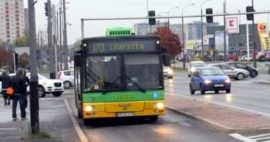autobus linii nr 170  390x205 - Poznań: Zamknięcie przejazdu kolejowego na ul. Golęcińskiej