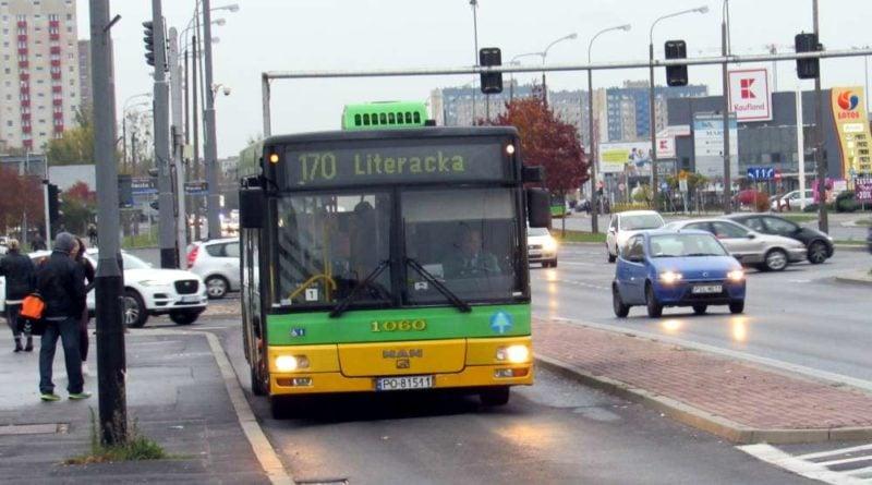 autobus linii nr 170  800x445 - Poznań: Zamknięcie przejazdu kolejowego na ul. Golęcińskiej
