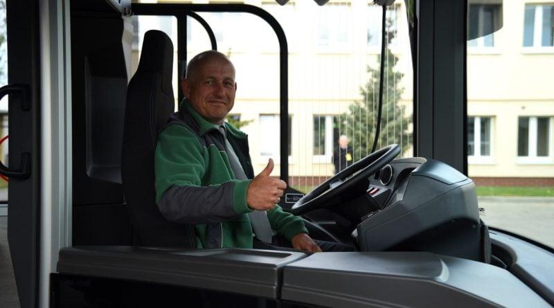 autobus wodorowy solarisa 5 fot. ump 800x445 - Poznań: Autobus na wodór - niestety, na razie tylko do oglądania
