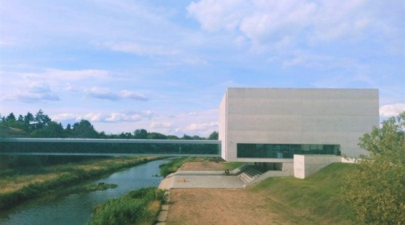 """brama poznania 800x445 - Poznań: Rozbudowa Wartostrady. """"Droga rowerowa przez amfiteatr""""?"""
