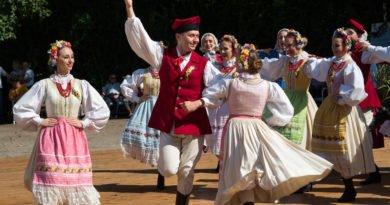 dozynki 17 2019 390x205 - Poznań: Dożynki to dobra zabawa!