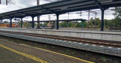 Piła: Rowerzysta wjechał wprost pod pociąg