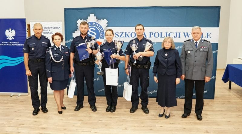 dzielnicowy roku 2019 6 fot. kwp 800x445 - Piła: Policjant ze Słupcy najlepszym dzielnicowym w województwie!