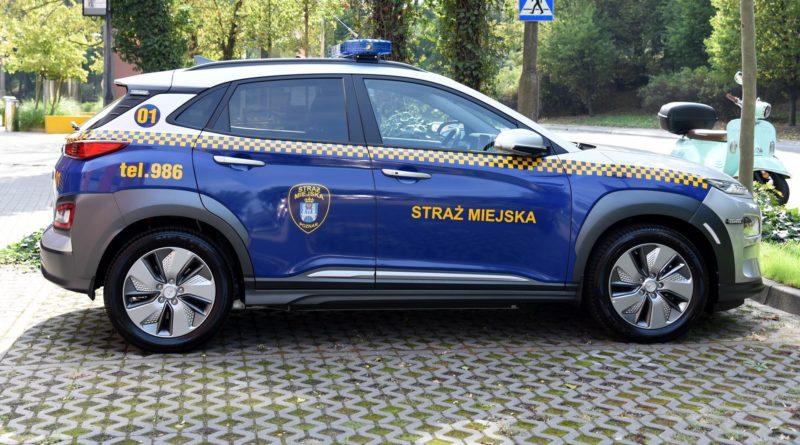 elektryczny samochod fot. ump 800x445 - Poznań: Straż miejska dostała elektryczny radiowóz