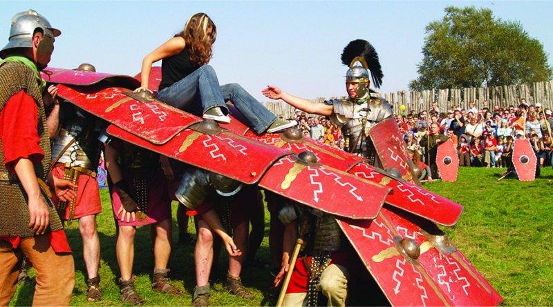 festyn w biskupinie fot.biskupin.pl  800x445 - Biskupin: Wojowie, gladiatorzy i bitwy, czyli rozpoczął się festyn archeologiczny