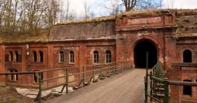 kaponiera kolejowa 390x205 - Poznań: Tajemnice twierdzy fortowej - prelekcja Jacka Biesiadki