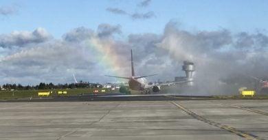 lawica fot. ump 3 390x205 - Poznań: Samolot z pomocą dla szpitali wyląduje na Ławicy