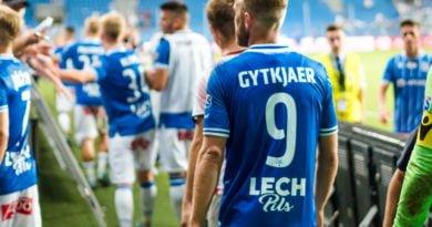 lech cracovia fot. wojtek lesiewicz 14 390x205 - Napastnik Lecha Poznań strzelił gola sezonu? (wideo)