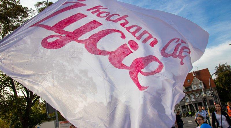marsz dla zycia poznan fot. slawek wachala 44 800x445 - Marsz dla życia - festyn i przemarsz - fotorelacja