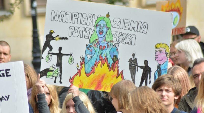 """mlodziezowy strajk klimatyczny fot. karolina adamska 18 800x445 - Poznań: Młodzieżowy Strajk Klimatyczny. """"Walczę o prawo do życia dla wszystkich!"""""""