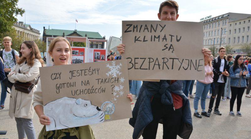 """mlodziezowy strajk klimatyczny fot. karolina adamska 2 800x445 - Poznań: Młodzieżowy Strajk Klimatyczny. """"Walczę o prawo do życia dla wszystkich!"""""""