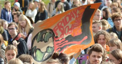 mlodziezowy strajk klimatyczny fot. karolina adamska 29 390x205 - Poznań: Red Rebels Brigade przejdzie przez miasto