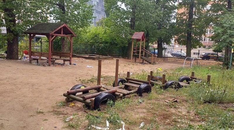 nieformalny plac jezycki 1 800x445 - Poznań: Nieformalny Jeżycki Plac zabaw - czy melina?