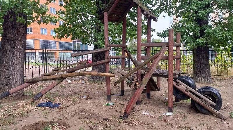 nieformalny plac jezycki 5 800x445 - Poznań: Nieformalny Jeżycki Plac zabaw - czy melina?