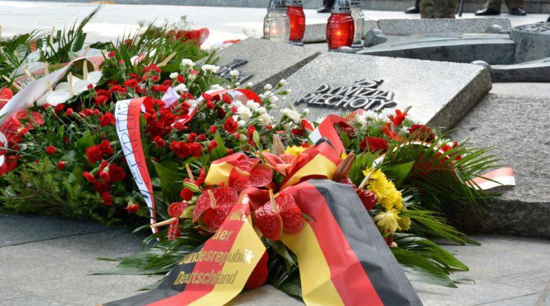 obchody rocznica ii wojna swiatowa fot. ump 5 800x445 - Poznań: Rocznica wybuchu II wojny światowej