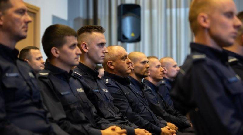 policja nagrody 1 fot. msw 800x445 - Poznań: Policja ostrzega przed oszustami wykorzystującymi epidemię koronawirusa