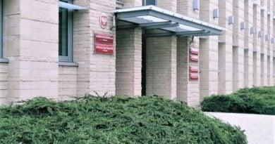 prokuratura okregowa 390x205 - Poznań: Pielęgniarka usłyszała zarzuty za śmierć pacjentki
