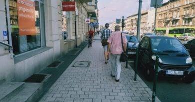 rowerzysci 4 390x205 - Poznań: Rowerzyści na Głogowskiej? To poważny problem