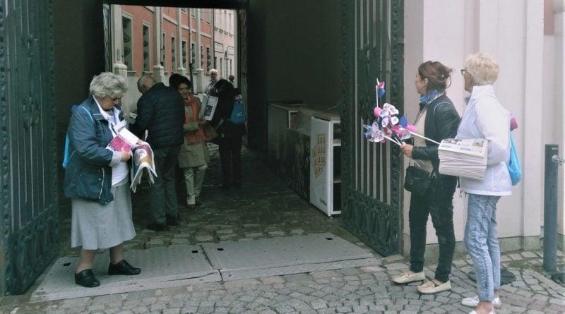 senioralni 3 800x445 - Poznań: Seniorzy przejęli władzę nad miastem