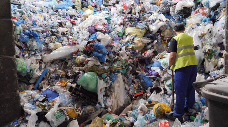 smieci 3 800x445 - UOKiK uznał skargę Mosiny, Lubonia i Wolsztyna w sprawie śmieci za bezzasadną
