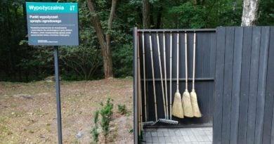 sprzęt ogrodniczy cmentarz fot. UMP