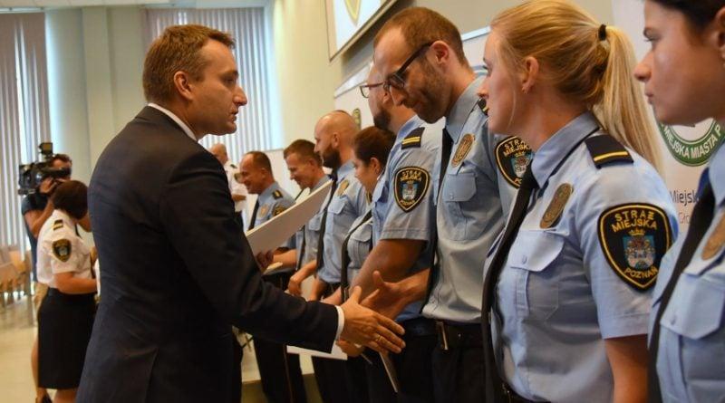 straznicy miejscy 1 800x445 - Poznań: Strażnicy miejscy świętują