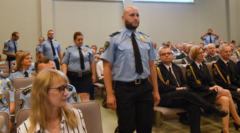 straznicy miejscy 13 800x445 - Poznań: Strażnicy miejscy świętują