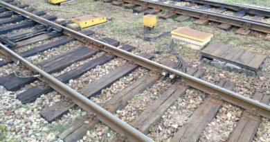 tory 1 390x205 - Grodzisk Wielkopolski: Pociąg zderzył się z ciężarówką