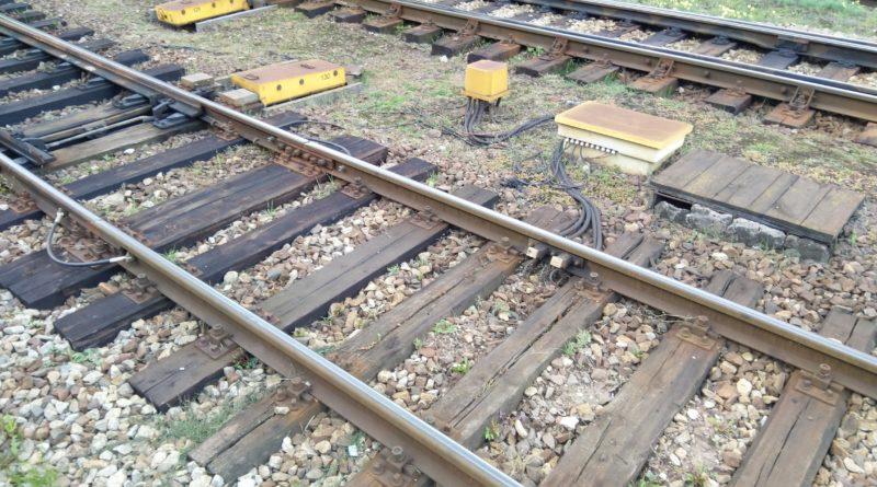 tory 1 800x445 - Oborniki: Tragiczny wypadek na przejeździe kolejowym. Jedna osoba nie żyje