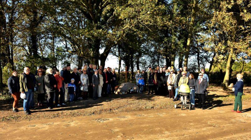 cmentarz ewangelicki 2 fot.tzp  800x445 - Pobiedziska: Cmentarz ewangelicki w Gorzkim Polu uporządkowany i upamiętniony