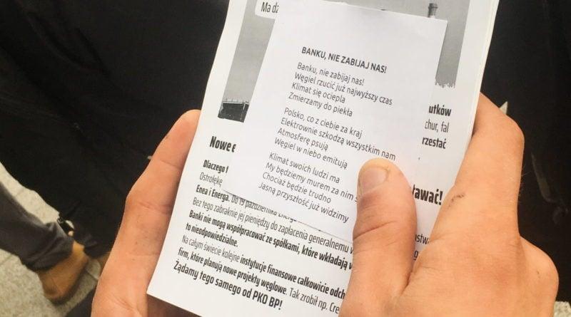 """ekolodzy protest oboz dla klimatu fot. radoslaw sto 7 800x445 - Poznań: Aktywiści przed bankiem. """"Najpierw ludzie, potem zyski"""""""