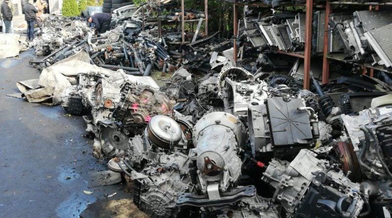 konin dziuple3 fot. kwp 800x445 - Konin: Kryminalni zlikwidowali kilkanaście dziupli samochodowych