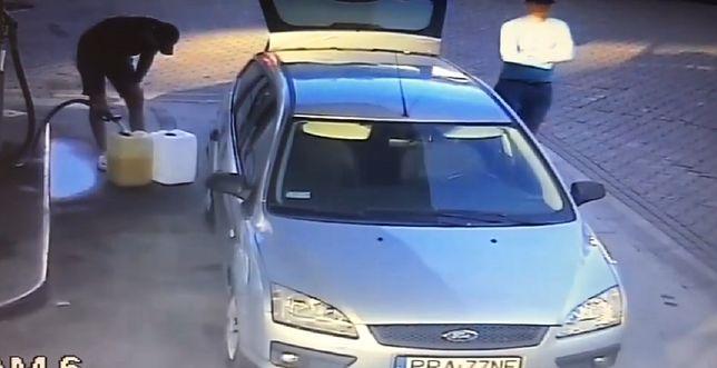 kradziez paliwa fot. kpp ostrow - Ostrów Wielkopolski: Zatankowali paliwo i nie zapłacili