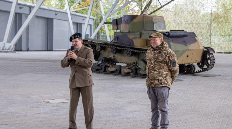 """muzeum broni pancernej fot. slawek wachala 7 800x445 - Muzeum Broni Pancernej. """"Rudy 102"""" w Poznaniu"""