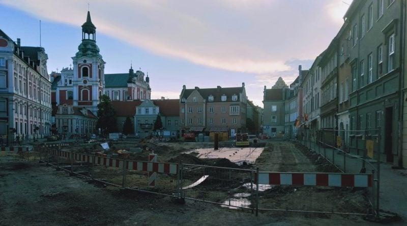 plac kolegiacki 800x445 - Poznań: Zmiany przy placu Kolegiackim. Które ulice będą zamknięte?