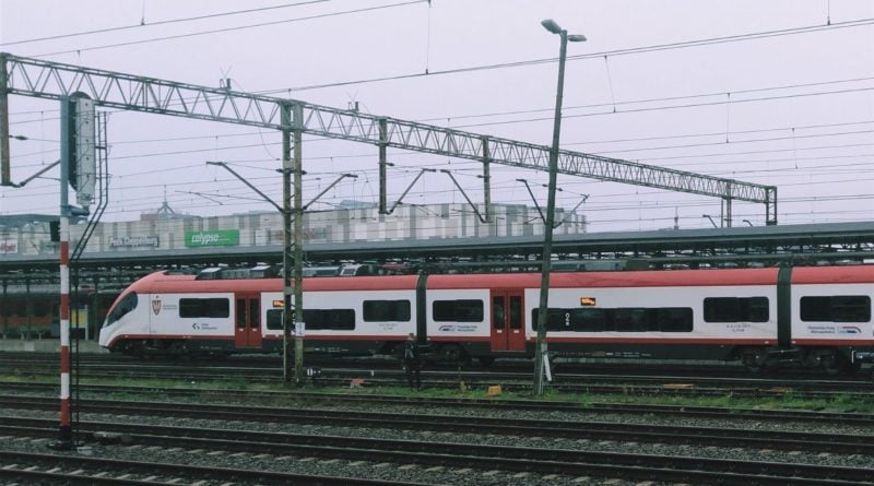 pociag 1 800x445 - Utrudnienia na trasie kolejowej Poznań - Piła