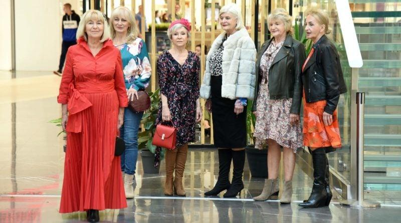 pokaz mody seniorzy3 fot. ump 800x445 - Poznań: seniorzy, pokaz mody i DJ Wika za konsolą