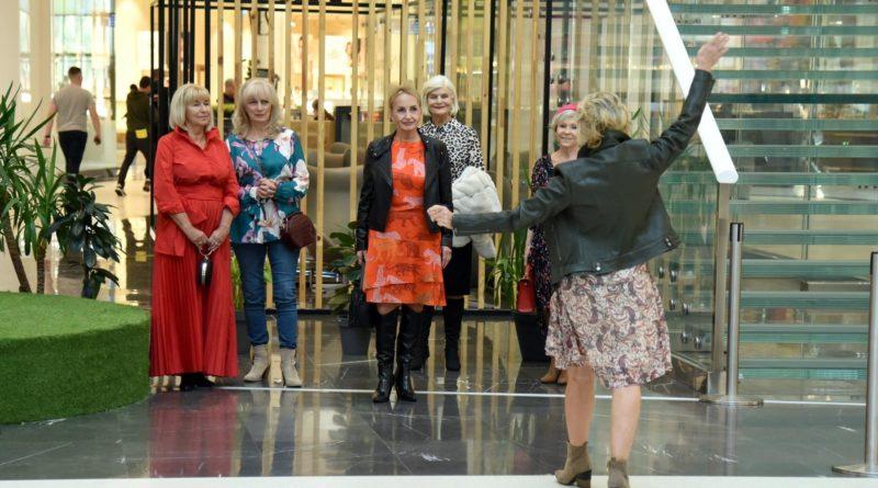 Poznań: seniorzy, pokaz mody i DJ Wika za konsolą