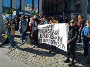protest na polwiejskiej 1 300x225 - Poznań: Protest anarchistów. Interweniowała policja
