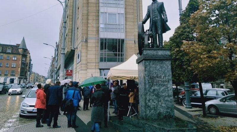 """protest przedsiebiorcow 3 800x445 - Poznań: Protest przedsiębiorców. """"Program, który serwuje nam rząd, jest nierealny"""""""