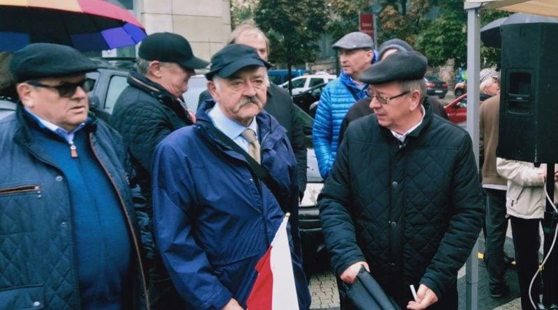"""protest przedsiebiorcow 4 jpg 800x445 - Poznań: Protest przedsiębiorców. """"Program, który serwuje nam rząd, jest nierealny"""""""