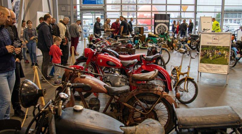 retro motor show fot. slawek wachala 1 of 21 800x445 - Poznań: MTP odwołują imprezy