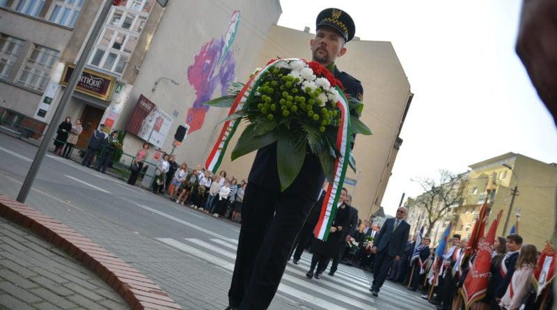 rocznica fot. karolina adamska 8 800x445 - Poznań: Obchody 63. rocznicy wybuchu Powstania Węgierskiego
