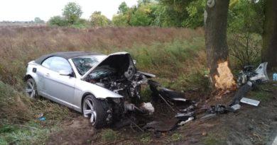 rozbite BMW fot. policja