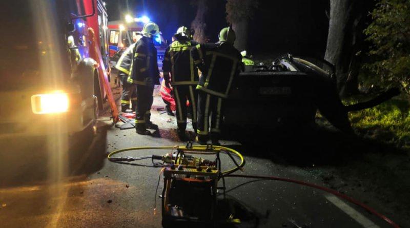 wypadek fot. osp strykowo 4 800x445 - Poznań: Zderzenie pociągu z ciężarówką na przejeździe kolejowym. Jedna osoba odniosła obrażenia