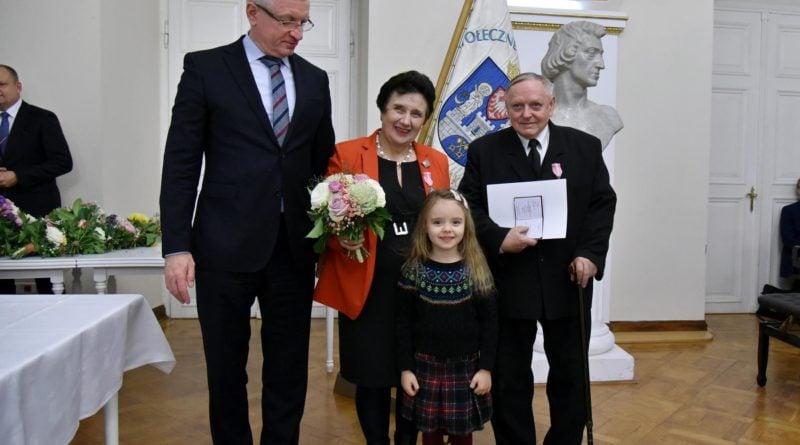 50 lat 2 fot. ump 800x445 - Poznań: Prezydent wręczył Medale za Długoletnie Pożycie Małżeńskie