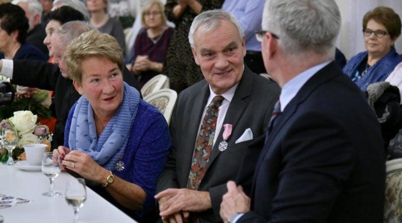 50 lat 5 fot. ump 800x445 - Poznań: Prezydent wręczył Medale za Długoletnie Pożycie Małżeńskie