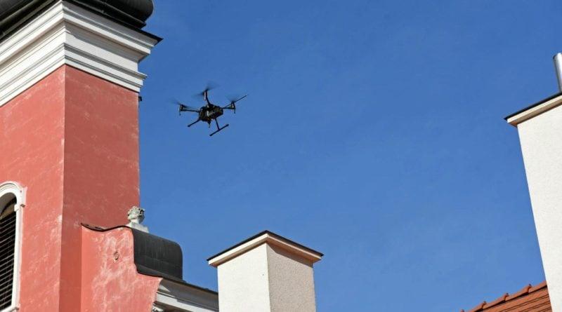badanie dronem 2 fot. ump 800x445 - Poznań: Dron nad miastem. Czym grozi spalanie odpadów?