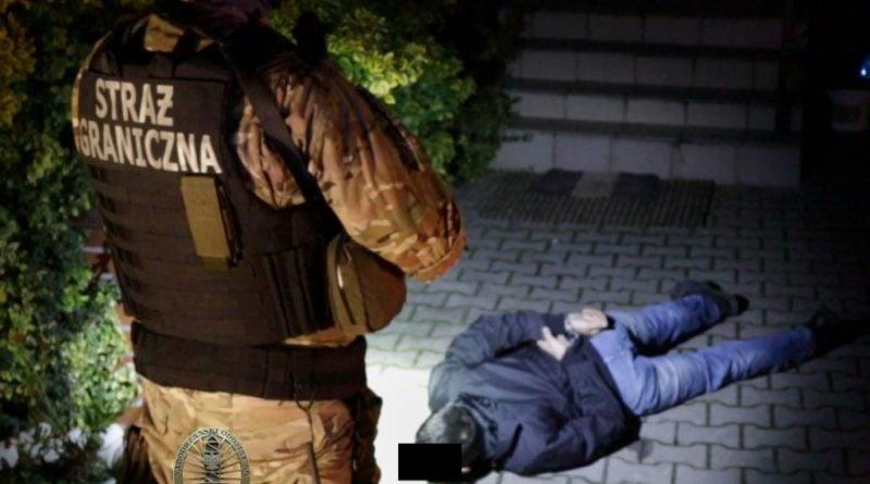 cbsp fot. policja 800x445 - CBŚP rozbiło gang przemytników ludzi. Działali także w Wielkopolsce